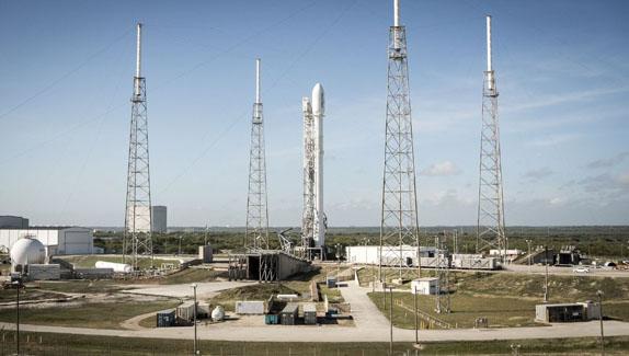 Falcon 9 Roketinin Mükemmel Kalkış ve İniş Fotoğrafları