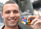 Rubik Küp Şampiyonu mu Yoksa Usain Bolt mu Daha Hızlı? [Video]