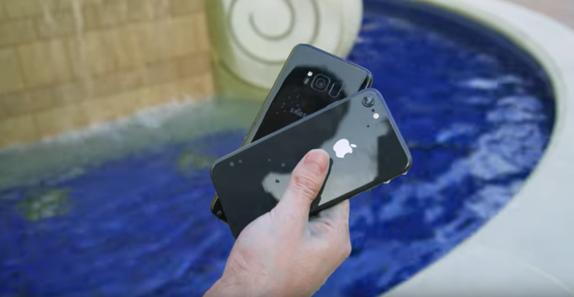 iPhone 8 ve Galaxy S8 Su Altı Testi (Video)