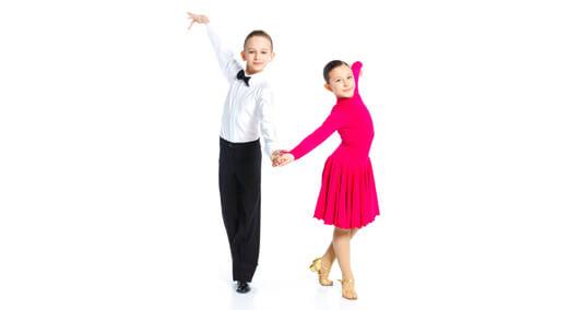 Çocuğa Sevgi Göstermek - Birlikte Dans Etmek