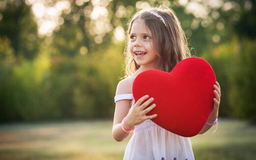 Çocuğa Sevgi Göstermek - Çocukları Sevmek