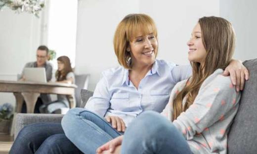 Ergen Çocukla İletişim Nasıl Olur? Nasıl Anlaşılır?