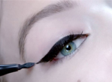 Kolay Eyeliner Nasıl Sürülür?