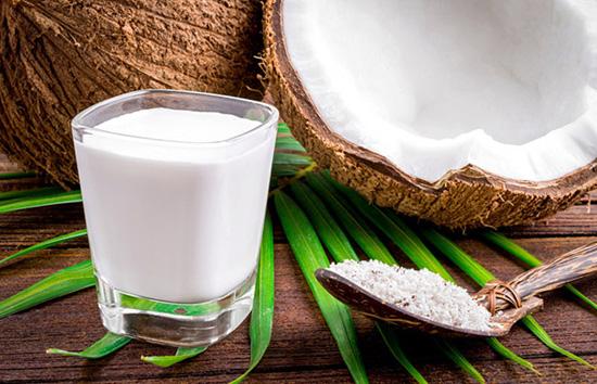 Yoğurt Saç Uzatır mı? Hindistan Cevizi Sütü - Yoğurt Saç Maskesi